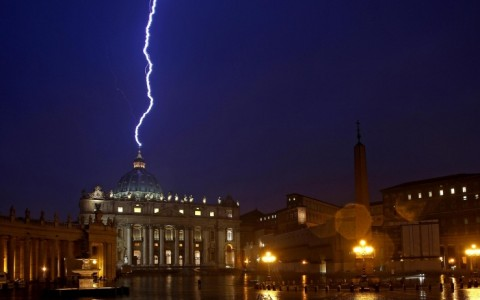 Conclave : L'ultimo Papa, apofenia o profezia? San Malachia e il 112° Papa Petrus II Romanus