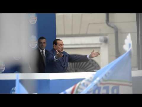 Berlusconi a Brescia: 11 Maggio 2013 secondo comizio elettorale, le contestazioni dei gruppi estremisti