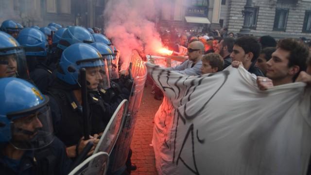 Scontri a Milano per lo sgombero del centro sociale Zam