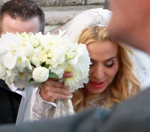 Valeria Marini arriva nella Basilica di Santa Maria in Ara Coeli, in Campidoglio, per il sposarsi con l'imprenditore Giovanni Cottone a Roma, . 5 maggio 2013.