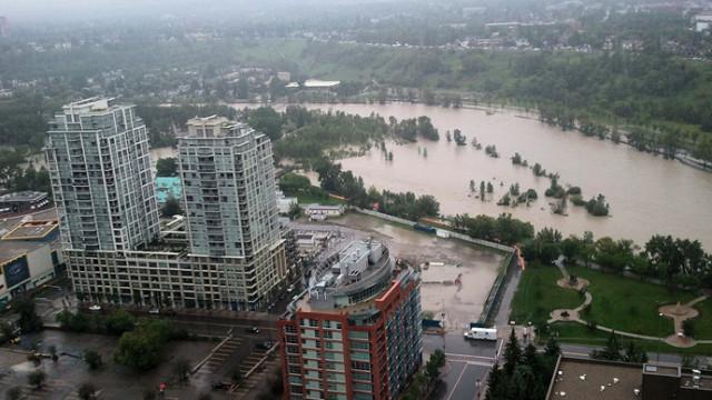Alluvioni anche in Canada: truppe schierate per aiutare e consentire l'evacuazione di 100.000 persone.