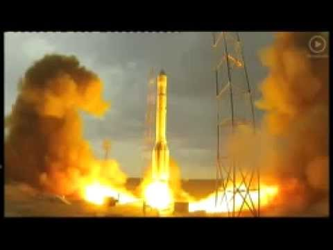 Crash del razzo russo Proton-M, esplode in una sfera di fuoco