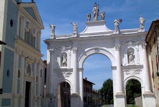 Cherasco, una piccola città grande per storia arte e cultura