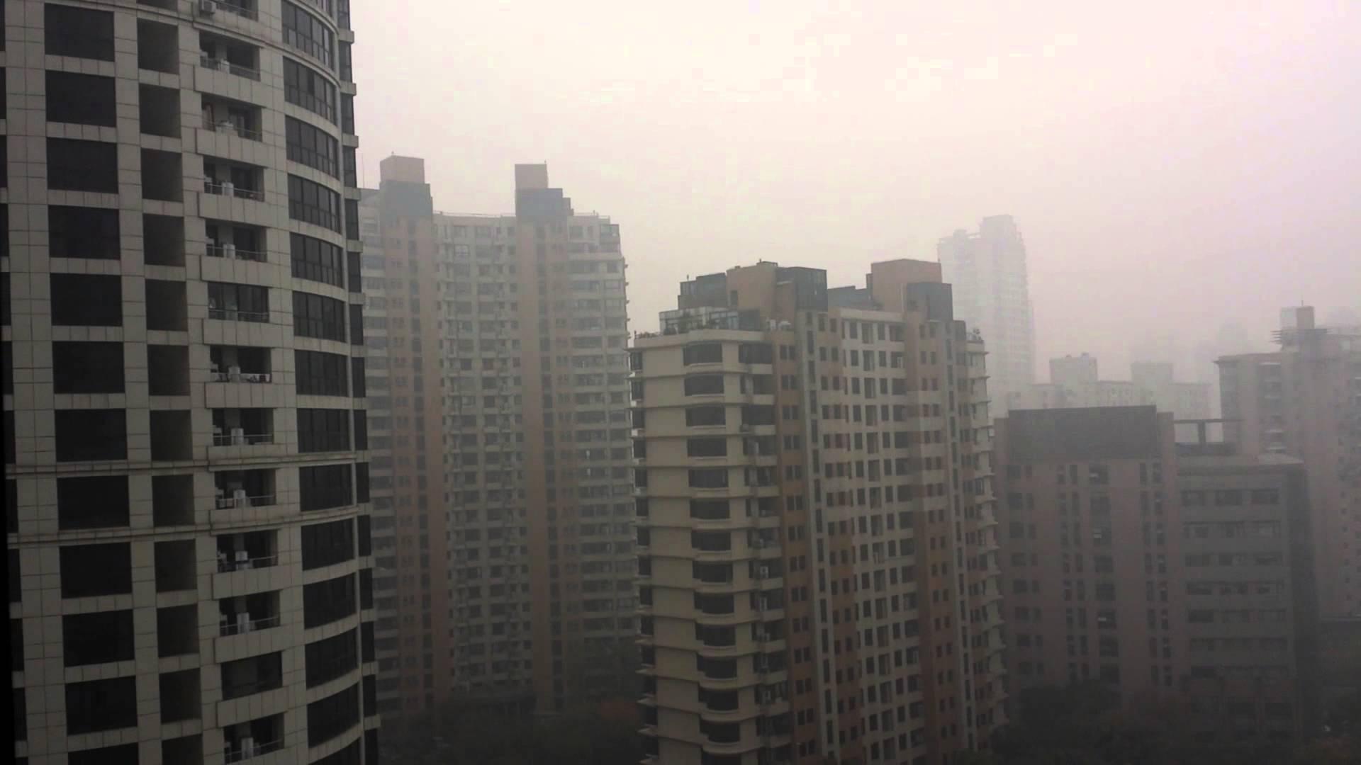 Shanghai 7 dicembre 2013: allarme inquinamento fuori range