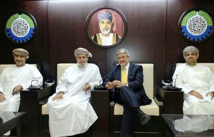 Giovanni Tumbiolo in riunione alla Camera di Commercio di Muscat