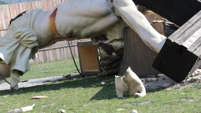 Si spezza la croce del Cristo Redentore di Cevo in Valcamonica: uccide un ventunenne disabile