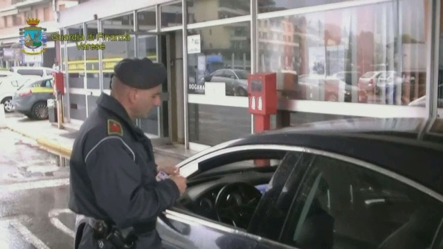 Invalidi a Varese facevano i frontalieri in Svizzera