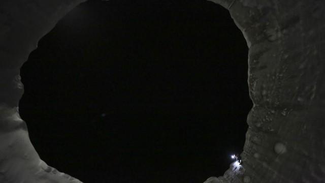 All'interno di un misterioso cratere siberiano