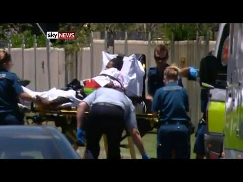 CAIRNS (Australia) – Otto bambini uccisi accoltellati, grave la madre di 7 di loro
