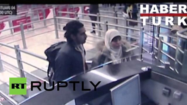 Hayat Boumeddiene supera il controllo passaporti in aereoporto ad Istanbul