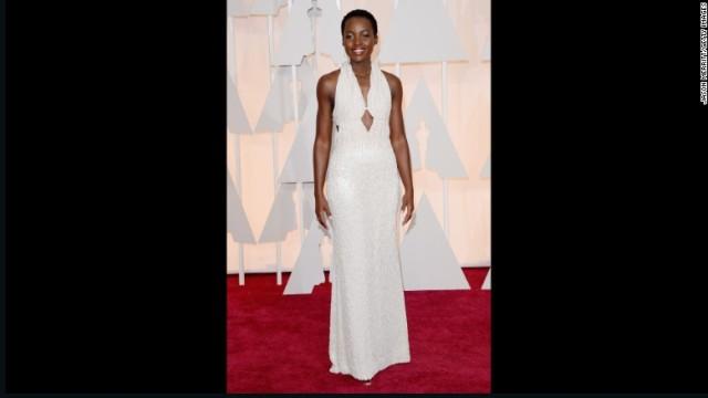 Los Angeles: abito rubato a Lupita Nyong'o