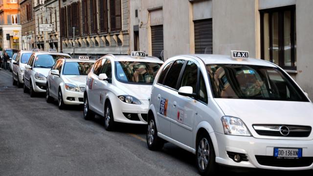Roma:Sindacati taxi e Ncc, la protesta dei noleggiatori – la diretta