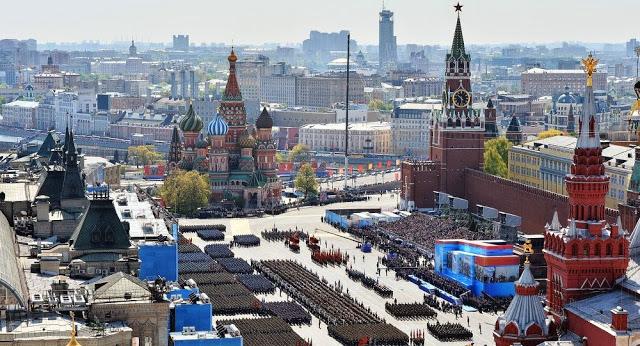 MOSCA: Imponente parata militare