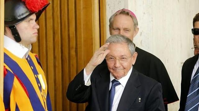 Papa Francesco incontra Raul Castro