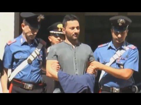 Napoli – Arrestato il latitante Cuccaro, la folla ostacola i carabinieri