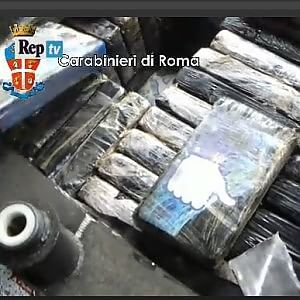 Sequestrati 600 kg cocaina a Roma e Forli'
