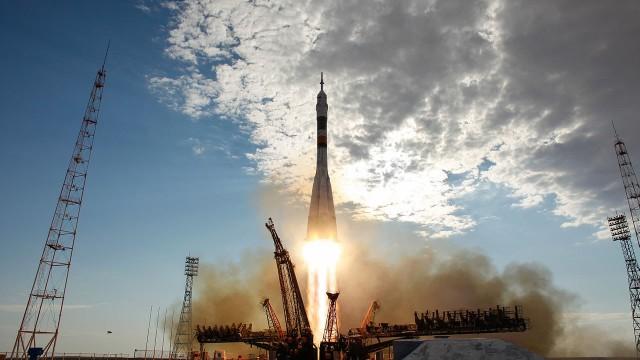 LIVE: La Soyuz lancia la 60a nave da carico Progress М-28М