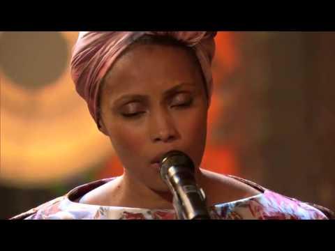 "IMANY in ""Sei bellissima"" di Pauline Croze"