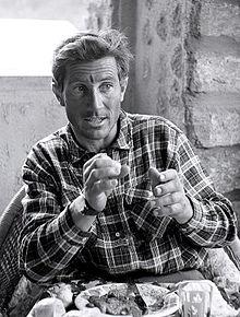 Walter Bonatti ritratto in una foto del 1964