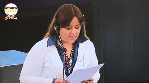 """Laura Agea: """"Questa Europa non ha futuro"""""""