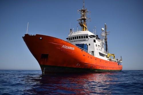 Aquarius nave ONG: Lunghezza 77,01 m, Larghezza 11,75 m, Pescaggio(max) 5,78 m Propulsione Diesel-elettrica 2 × Siemens AG Dynamowerk IP 4330-2 DM 04 Velocità 15 nodi (28 km/h)