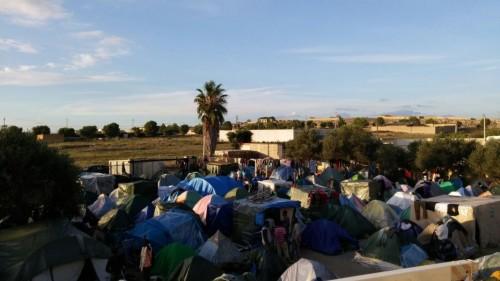 CampobelloCop il ghetto - Migranti e caporalato in Sicilia - Cosa Vostra